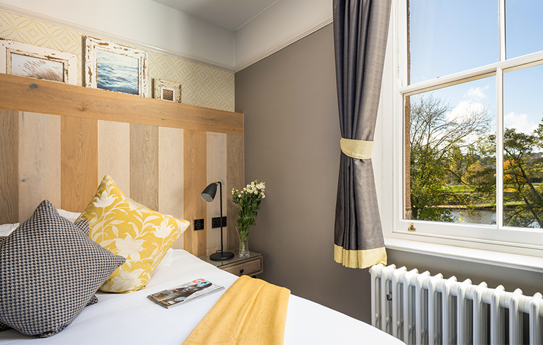 Double rooms over looking the Rive Exe
